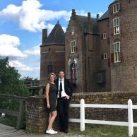 Zangeres Lilian Doest en pianist Dennis de Bruijn kasteel Ammersoyen in Ammerzoden.